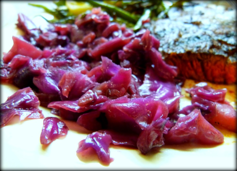 Tangy Red Cabbage with Fresh Ginger and GreenApples