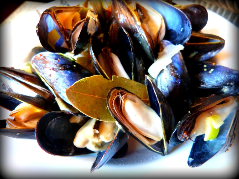 Mussels with Bacon, Leeks and Cider