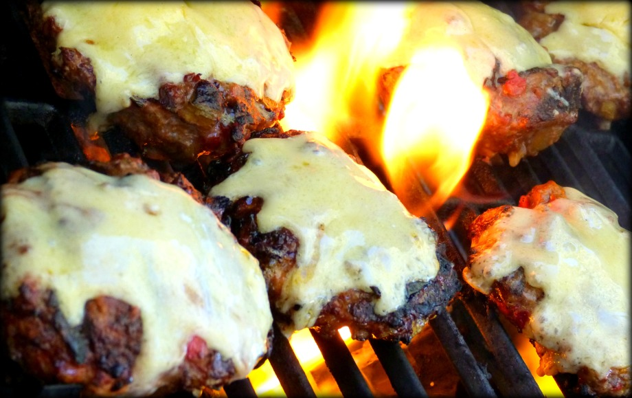 Flame-Grilled Southwestern Spicy CheeseBurgers